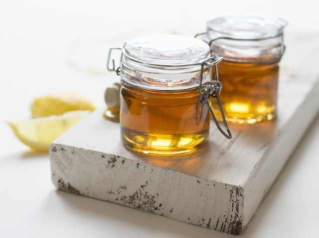 How to Heal Popped Acne Crusts on Face with Honey
