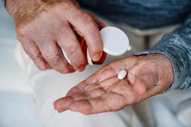 Antibacterial pills for inflammation or infection of hair follicles